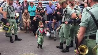 Yoel el niño legionario vuelve a cautivar a Málaga y a la legion thumbnail