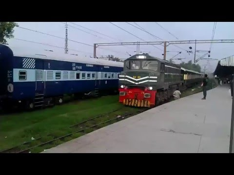 Pakistan Railway Islamabad Bound  Islamabad Express Arriving Lahore railway Station