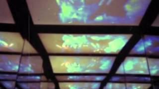 Смотреть клип Kasabian - Neon Noon