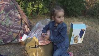 пикник с палаткой на природе шашлык- рыбалка  Picnic with a tent on the top shish kebab - fishing
