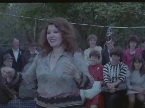 أغنية أمريكا شيكا بيكا من فيلم أمريكا شيكا بيكا thumbnail