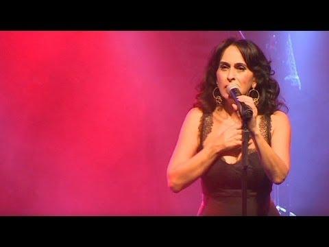Iranian singer bridges gap with Israelis through music