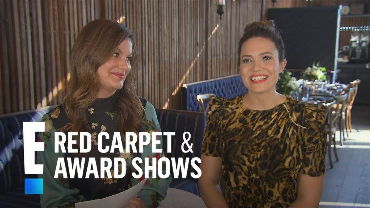 Mandy moore plays fun 39 more moore 39 game e red carpet award shows youtube - Watch e red carpet online ...
