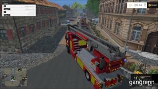 Départ EPA pompier sur incendie - Ladder truck responding to a fire