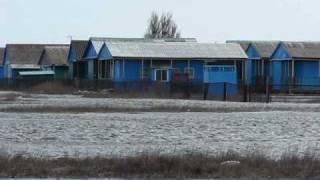 Счастливцево-Чайка-2.avi(На Арабатской стрелке со стороны с.Генгорка на въезде в с.Счастливцево находится старый пансионат Чайка-2...., 2010-04-09T18:47:36.000Z)