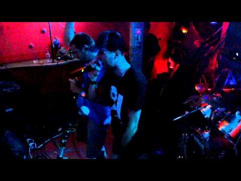 Něco z koncertu: N8, Kenas & Sax- Ještě pořád (Remix By Della)