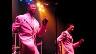 "The Spinners - ""Cupid"" medley - Nashville"