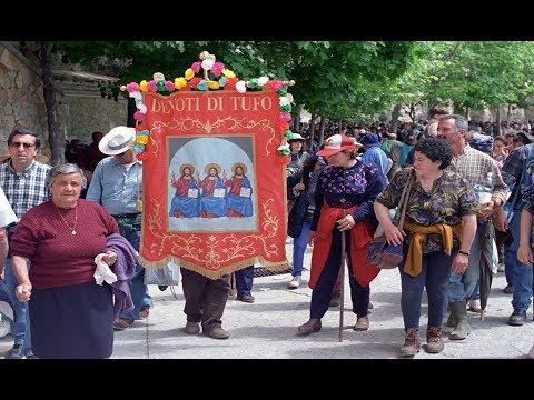 Pellegrinaggio di Tufo alla SS.  Trinità di Vallepietra 1995