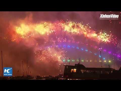 LIVE: Spectacular fireworks light up Sydney Harbour to bring in 2018