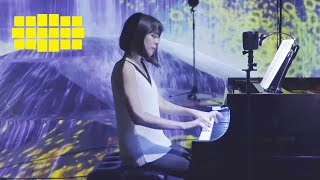 Alice Sara Ott – Debussy: Rêverie, L. 68   Yellow Lounge (live from teamLab Borderless, Tokyo /2018)