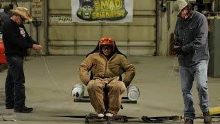 もうやめてあげて~!ニトロ搭載の椅子で時速480kmの超回転