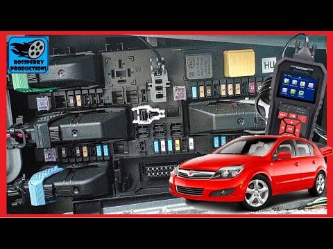 Astra 'H' MK5 04-09 OBD2 Diagnostic Socket & Fuse Box Location - Holden Opel Vauxhall