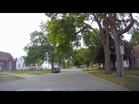 Driving In The Streets Of Waterloo, Iowa