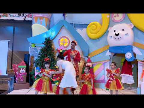 Blue Sky Kindergarten Orchard Xmas 2019 at Snow town