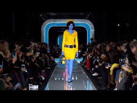 Moschino Fall Winter 18 fashion show!