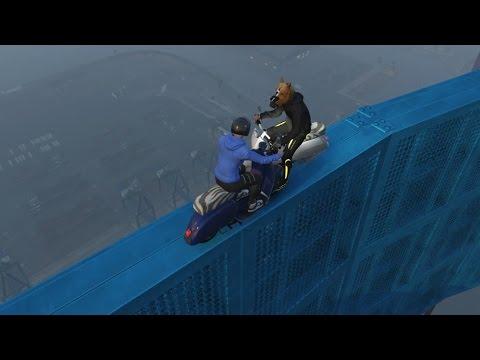 VLAK LANGS JULLIE IN DE TURTLE SLIDE! (GTA V Online Funny Races)