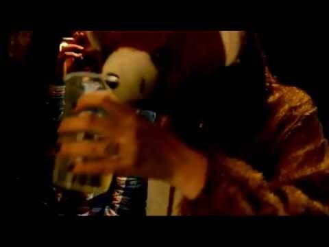 Клип Yeah Yeah Yeahs - Heads Will Roll (A-Trak Radio Edit)