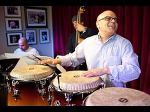 Pequeño Johnny y El Cartel de N.Y. perform Sigan La Clavé