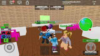 Wiggle wiggle don't stop (robloxian life in Roblox)