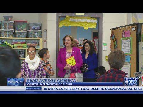 Raleigh Mayor Nancy McFarlane Reads To Students At Wakefield Elementary