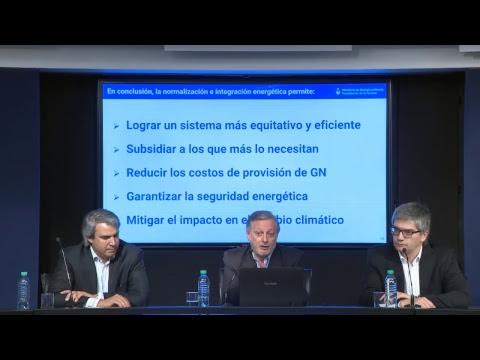 Conferencia de prensa del ministro Juan José Aranguren