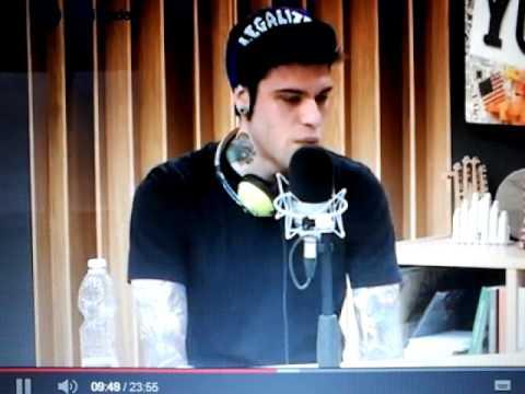 Fedez ft Elio: Alfonso Signorini(eroe nazionale)