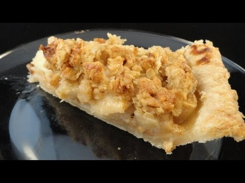 Apple-Pear Ginger Crumble Pie