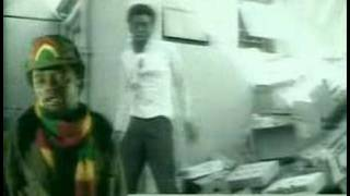 Watch Lucky Dube Slave video