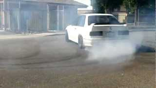 Bmw e30 m3 Supercharged Drifting(Donuts)