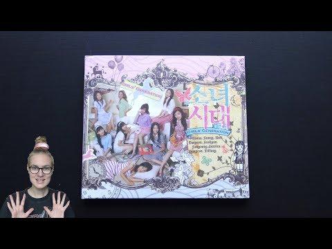 Unboxing Girls' Generation 소녀시대 1st Korean Single Album Into The New World 다시 만난 세계