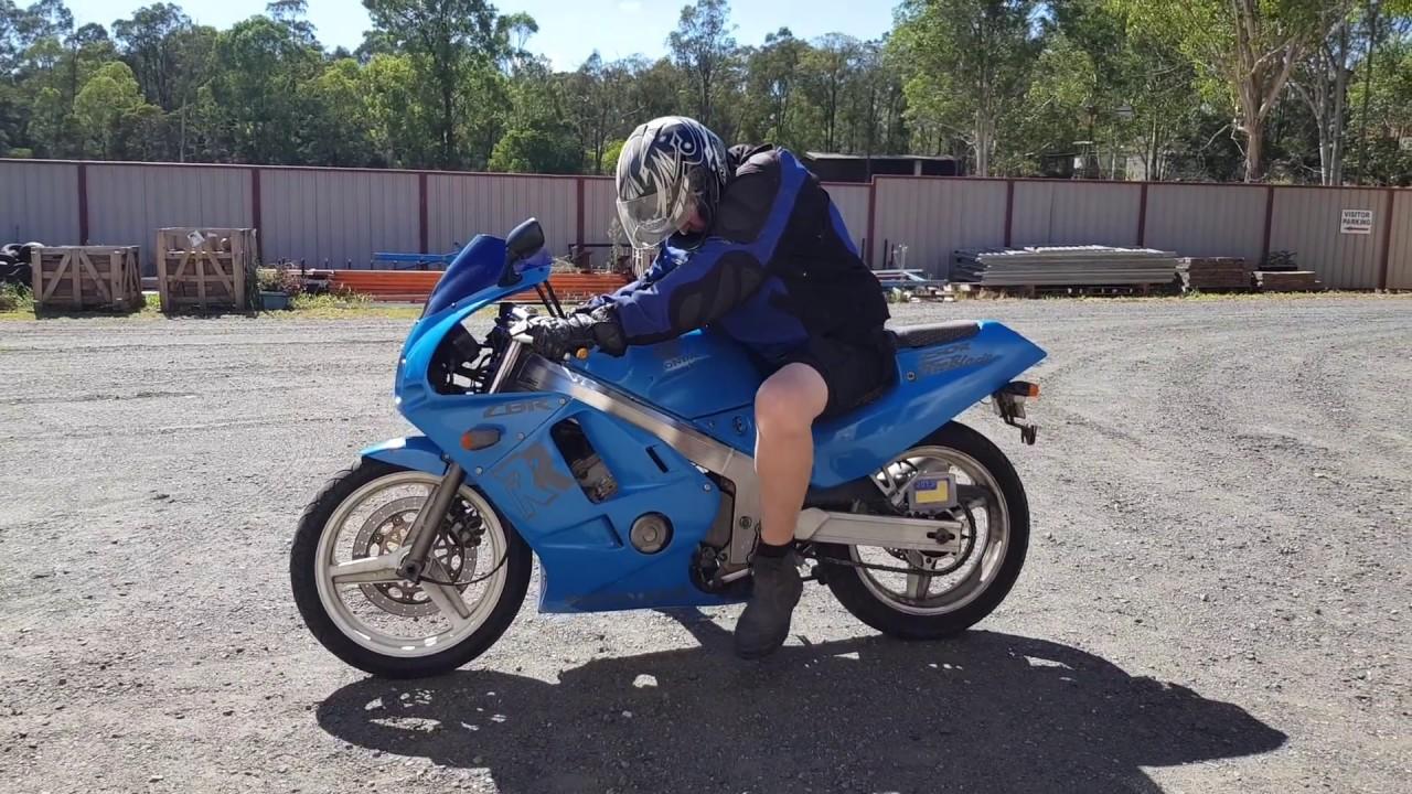 Honda Cbr250r Mc19 1988 Test Ride Youtube Hand Guard New Cbr 250rr