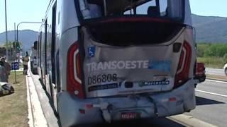 ACIDENTE COM ÔNIBUS DO BRT DEIXA MAIS DE 150 FERIDOS NO RIO 130115