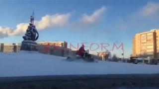 Дед мороз на снегоходе в Сургуте