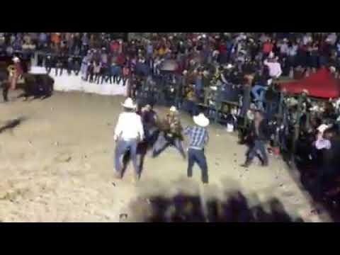 Mejor pelea 🤯🤯🤯🤠🤠en jaripeos en San Luis Potosi 2018