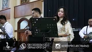 Gambar cover Berry Project - Take my hand ( Emily Hackett Ft. Will Anderson Cover) Band Wedding Surabaya
