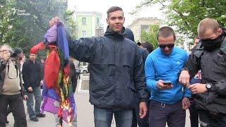 У Харкові побилися та зірвали акцію ЛГБТ
