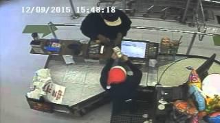 Cashier Lesson 1: $100 Bill Switcheroo