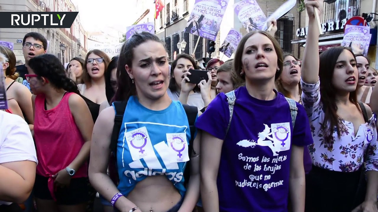 RAW: Thousands protest release of 'Wolf-Pack rapists' in Madrid