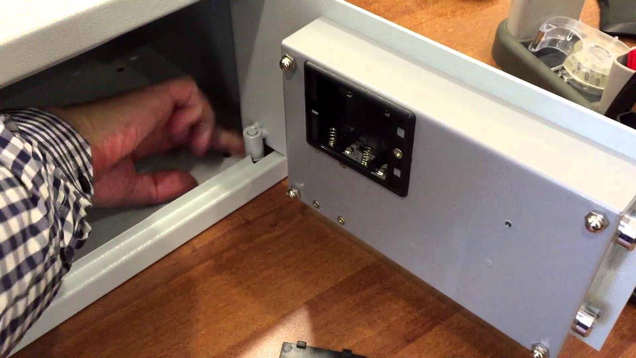 Цена: 3039 руб. Некоторые модели совместно с ключевыми замками оснащены электронным замком pls-1. Электронный замок имеет высокий уровень секретности, удобный алгоритм ввода, а также может использоваться.