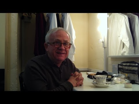 Leslie Jordan has Tea With Wilma