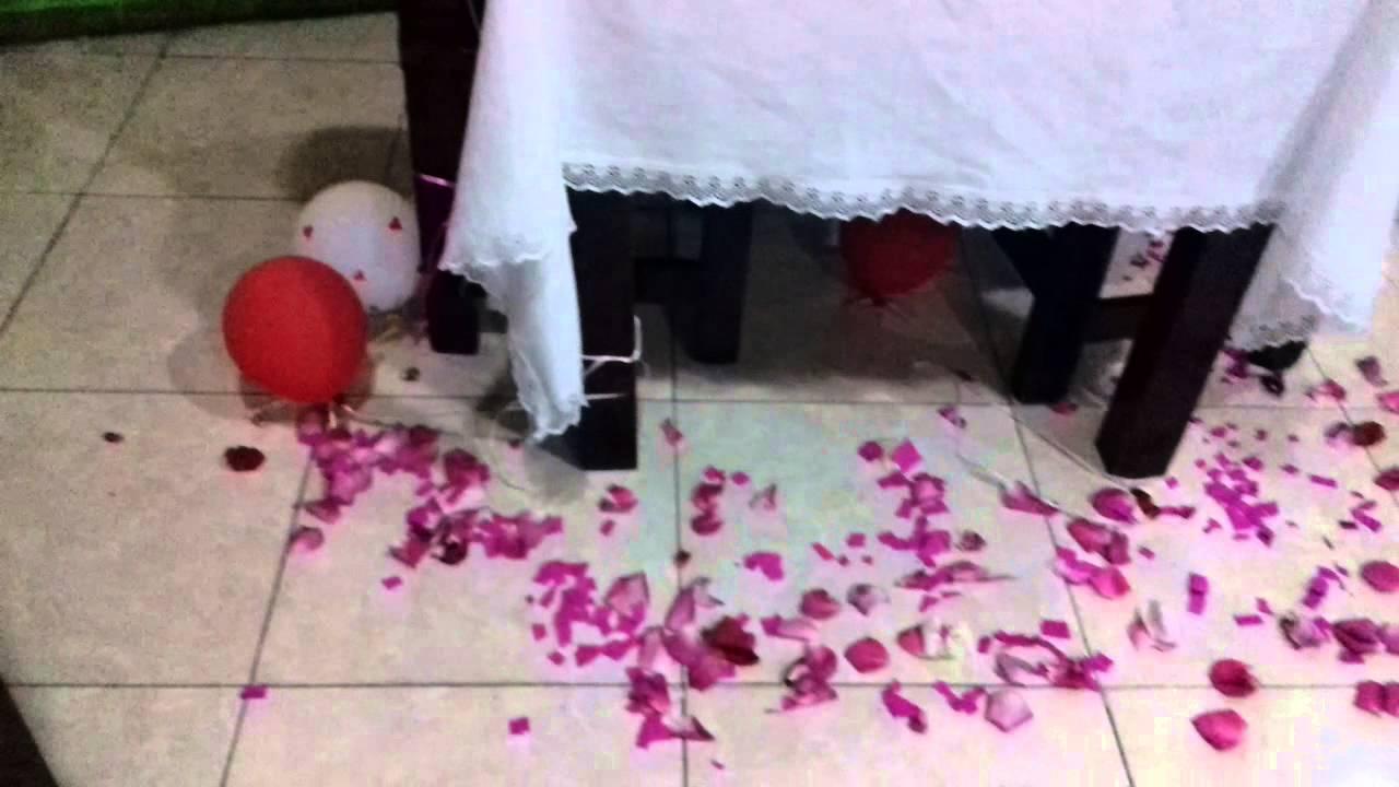 Hermosa cena rom ntica decoraci n cena rom ntica con globos p talos y velas youtube - Cena romantica con velas ...