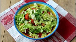 Cea mai simpla reteta de salata verde cu rosii si castraveti