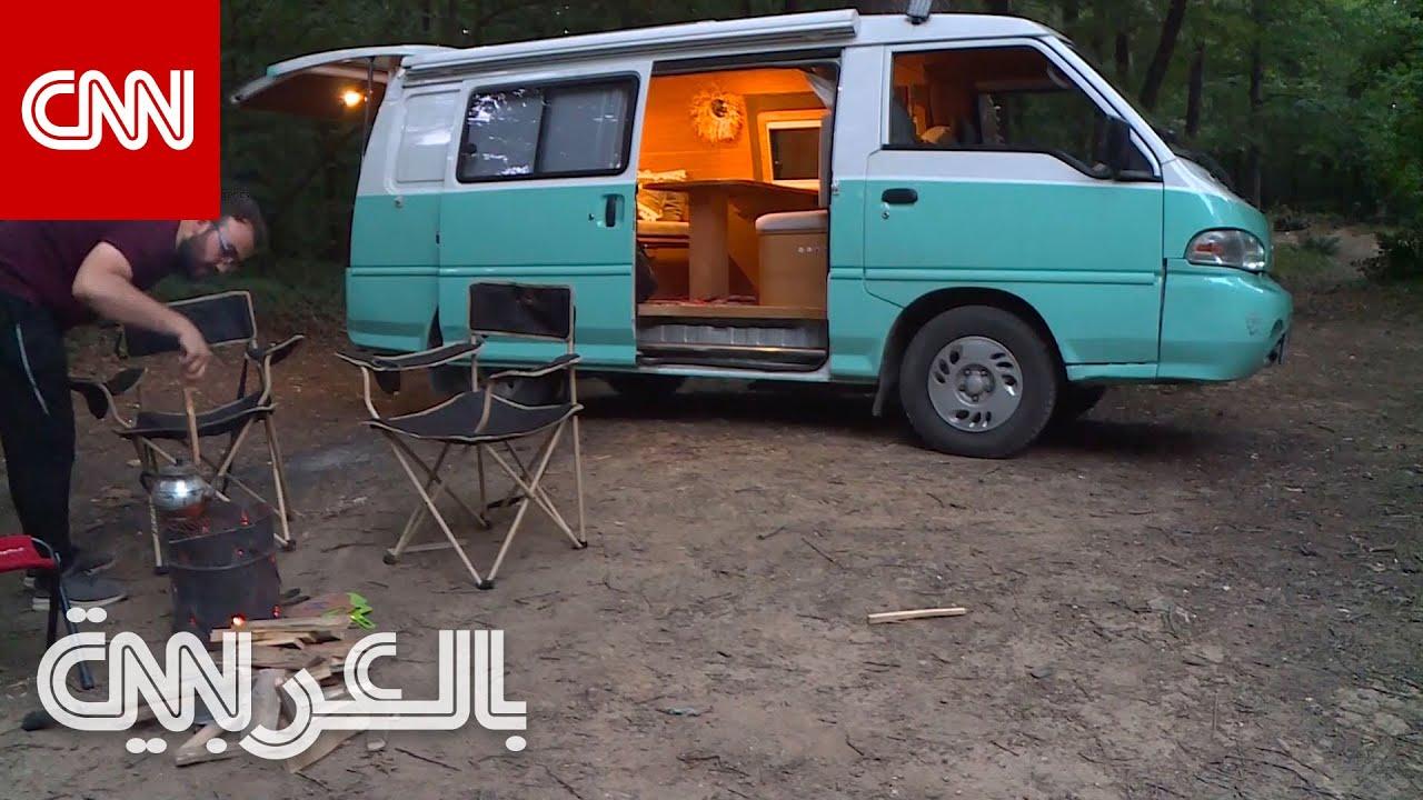 شاب سوري يحول سيارة قديمة إلى -كرفان- سياحي متنقل في تركيا  - نشر قبل 31 دقيقة
