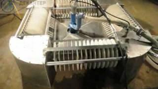 Skimmer video 1(Работа скиммера нефтесборщика для сбора нефтепродуктов с водной поверхности., 2011-02-20T17:37:27.000Z)