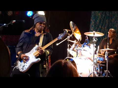 Jesse Johnson - Guitar solo finale at Bunker's Music Bar & Grill, Minneapolis, MN 4/20/17