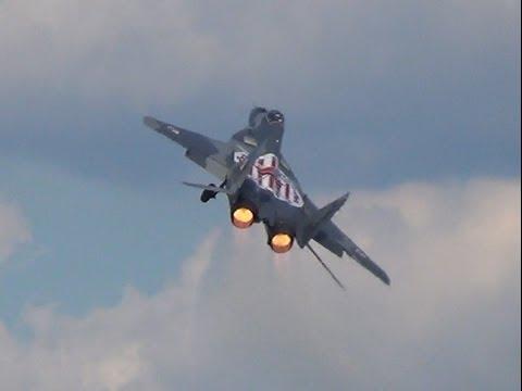 MiG-29 Fulcrum AMAZING POWERFUL Display @ ILA Berlin Air Show 2014! (1080p)
