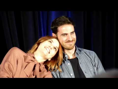 Jen and Colin Afternoon Panel OUAT Burbank