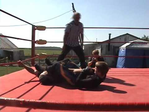Nick James VS Calvin Storm