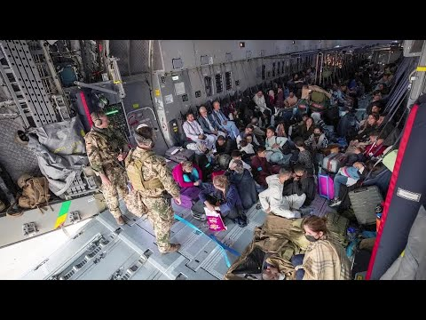 Afghan evacuations gather pace, but crowds remain