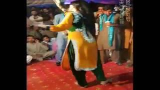 Hot mujra Aima khan